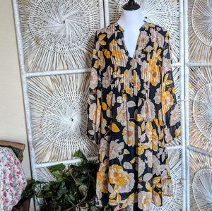 Dress: Flattering Floral